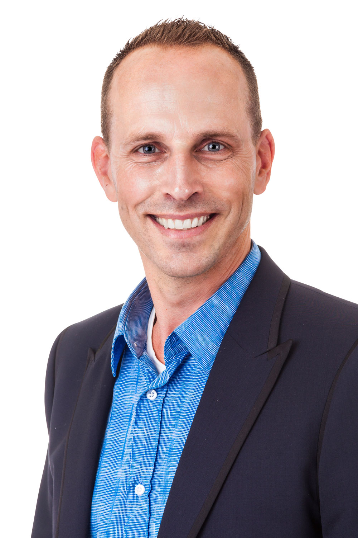 Drs. Rik van Duijnhoven AA